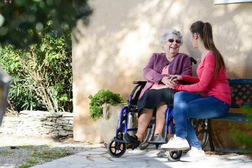 fauteuil roulant senior